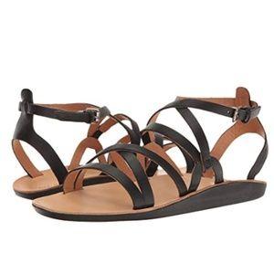 OluKai Po'iu black leather strappy sandals Size 8